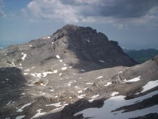 Karst wilderness of Col des Anies, with Pic du Soum Couy