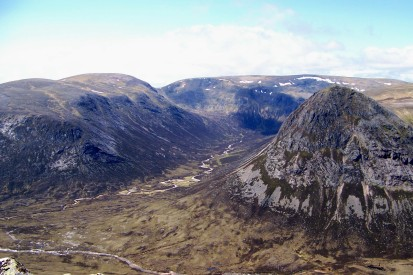 Glen Geusachan snakes between Beinn Bhrotain and the Devil???s Point, with Mondadh Mor in the distance