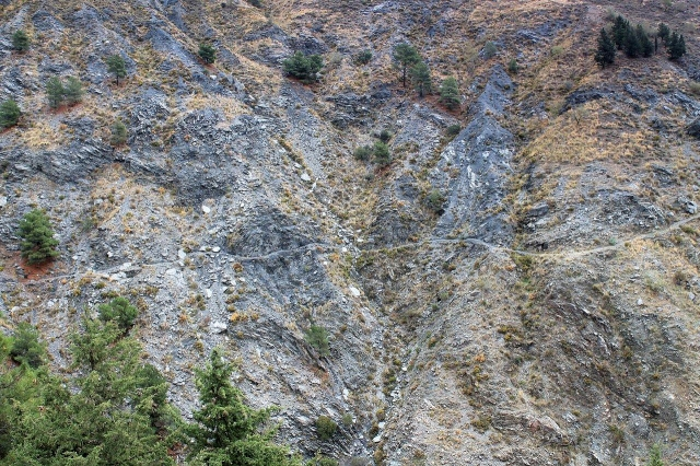 The GR 7 cuts across the cliffs of the gorge