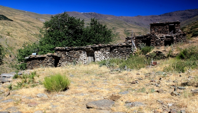 The ruins of the Cortijo Toril, the first of the three cortijos in the Toril valley